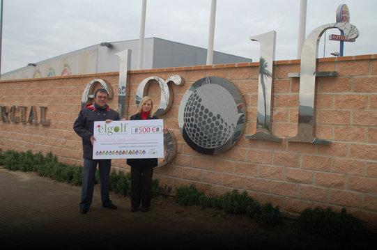Parque Comercial 'El Golf' entrega su cheque de 500 euros