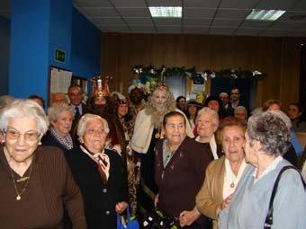 Los mayores también recibieron la visita de los Reyes Magos de Oriente en Talavera