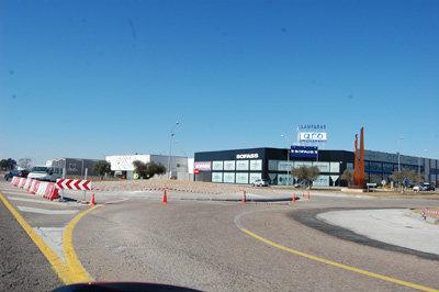 Los trabajos de la nueva rotonda ya est�n as� de avanzados. (Foto: J.F.)