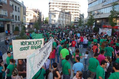 Los manifestantes se concentraron el martes en la avenida de Toledo. (Foto: Carlos Granda)