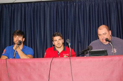 Héctor y Paco Cubelos junto a Alberto Retana en Pepino. (Foto: I.R.)