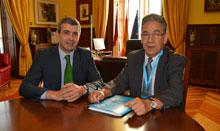 Álvaro Gutiérrez recibe a José María Calvo, presidente de UNICEF de Castilla-La Mancha