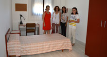 Mar�a de los �ngeles Garc�a L�pez visita la Residencia Universitaria Femenina