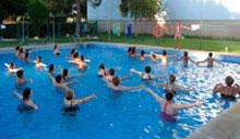 La Diputación ofrece casi 400 cursos de natación para todas las edades
