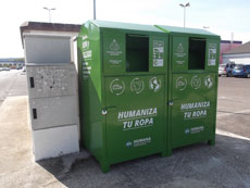 Nuevo contenedor de recogida de ropa usada de la ONG Humana en Centro Comercial El Golf