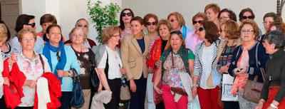 La presidenta mantiene un encuentro con un grupo de representantes de Mujeres en Igualdad de Talavera