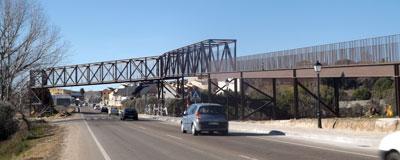 La pasarela que une Calera y Chozas con la Vía Verde ya está operativa