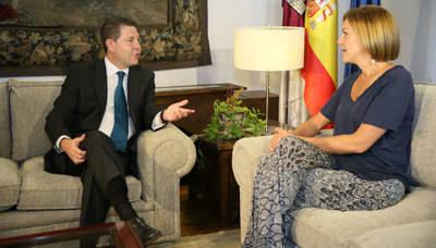 García-Page anuncia la readmisión de los 200 interinos despedidos en 2012 durante la etapa de Cospedal