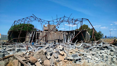 Detenidos cuatro j�venes sorprendidos mientras desmantelaban la estructura met�lica de una nave abandonada en Cazalegas
