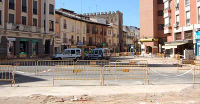 Los comerciantes de la Plaza del Reloj y la Corredera planean crear una plataforma para defender sus intereses por las obras en la zona