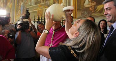 Toledo honra a su Virgen del Sagrario