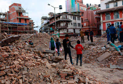 Los suministros vitales de UNICEF llegan a Nepal para ayudar a 1,7 millones de niños severamente afectados por el terremoto