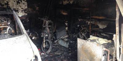 La actuación vecinal y del personal municipal evita un desastre tras incendiarse un garaje en Calera