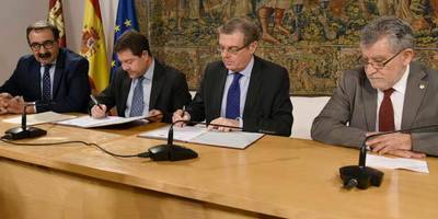 Rubricado el convenio sanitario entre la Junta y la UCLM