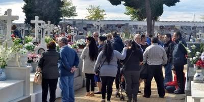 Cientos de talaveranos honran a sus difuntos en el Día de los Santos