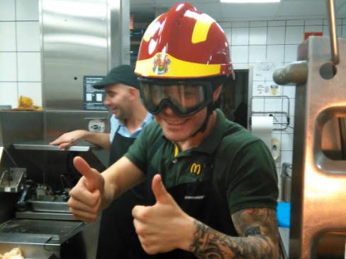 Happy Day con los bomberos en McDonald's