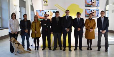 Gutiérrez felicita a la Fundación ONCE del perro guía por su labor de normalización