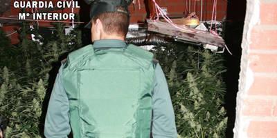 La Guardia Civil detiene a dos personas en Alcaudete de la Jara por delitos contra la salud pública