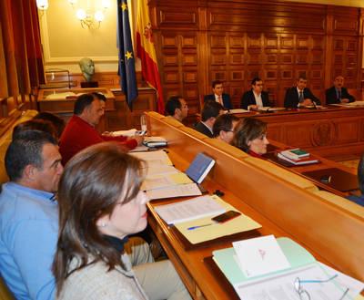 Aprueban el presupuesto y los Planes Provinciales