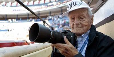 El fotógrafo taurino Canito fallece a los 103 años