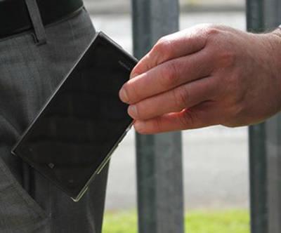 Detenido por robar móviles sobre una bici