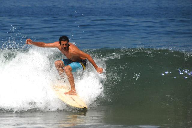 Un joven surfero talaverano que se enamoró de Río de Janeiro