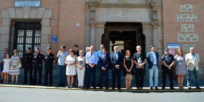 Minuto de silencio en la Puerta del Ayuntamiento de Talavera