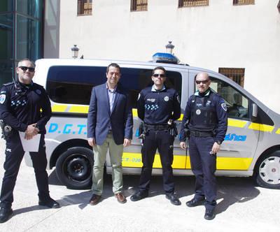 DGT cede un vehículo al Ayuntamiento de Torrijos