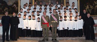 Nueve niños talaveranos de la Escolanía del Escorial cantaron para el Rey y el Príncipe de Asturias