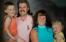 Una familia decide vivir como si estuviera en el año 1986