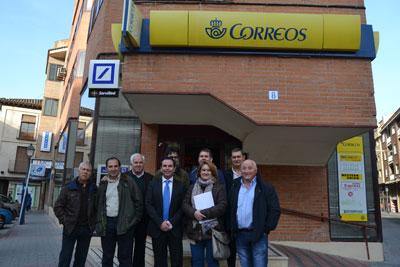 PSOE y UGT muestran su apoyo a los trabajadores de Correos