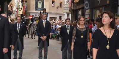 Álvaro Gutiérrez desfila por primera vez como presidente de la Diputación de Toledo