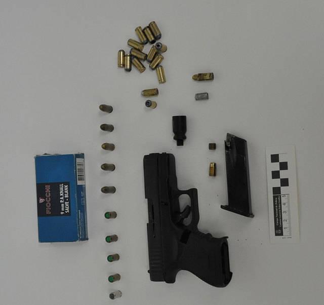Amenaza con una pistola a su compa�ero en Talavera