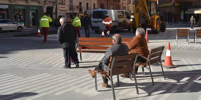 La Plaza del Reloj ya cuenta con nuevo mobiliario
