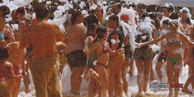 Baño de barro para apoyar a la Cerámica de Talavera y de Puente