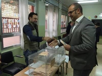 Ciudadanos ejerce su derecho al voto con ilusión