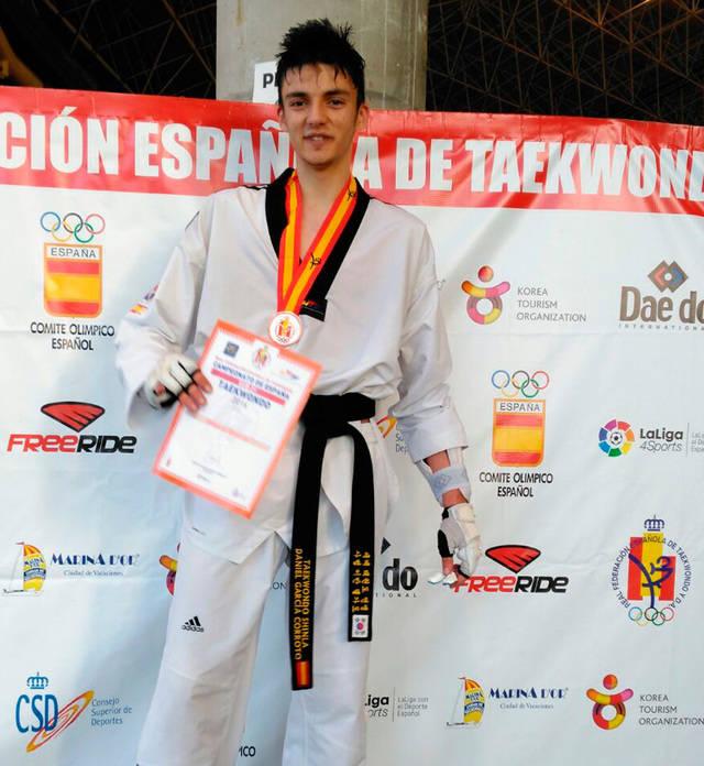 Daniel García medalla de bronce en Taekwondo