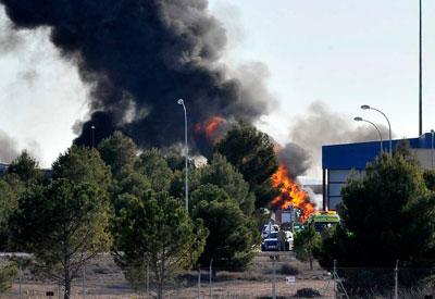 Diez fallecidos y 13 heridos al estrellarse un F-16 de Grecia en la base aérea de Los Llanos, Albacete (VIDEO)