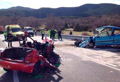 La colisión entre dos vehículos deja cinco personas fallecidas en el término de El Tiemblo (Ávila)
