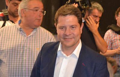 El PSOE acepta las 13 medidas propuestas por Podemos y se alcanza el acuerdo para que García-Page gobierne en la región