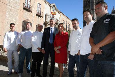 �lvaro Guti�rrez muestra su apoyo a la candidatura de Toledo como capital espa�ola de la gastronom�a
