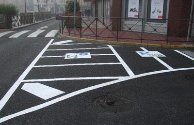 Campaña de la Policía Local de Talavera para informar de los nuevos aparcamientos habilitados para motos