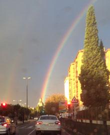 Un arco iris trazado en el cielo talaverano