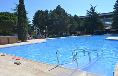 La Concejalía de Deportes incrementa la seguridad y la vigilancia en la piscina de La Alameda para evitar asaltos y comportamientos incívicos