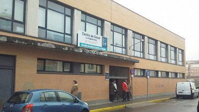 Una avería eléctrica deja sin luz y sin servicio al Centro de Salud de 'La Algodonera'