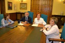 Convenio de colaboración entre el Consistorio de Talavera y la Asociación de Consumidores 'El Prado'