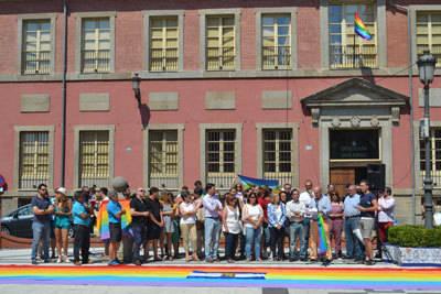 El colectivo LGTB pide al Ayuntamiento que trabaje por la adecuación social de lesbianas, gays, transexuales o bisexuales
