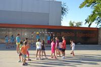 El colegio Pablo Iglesias acoge actividades deportivas y culinarias durante los Campamentos Urbanos