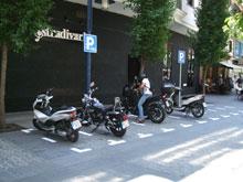 Nueva campaña de prohibición de estacionamientos en aceras de motos