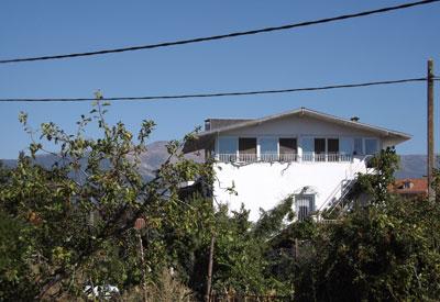 Vivienda familiar del religioso en la localidad de La Iglesuela. (Foto: LVDT)